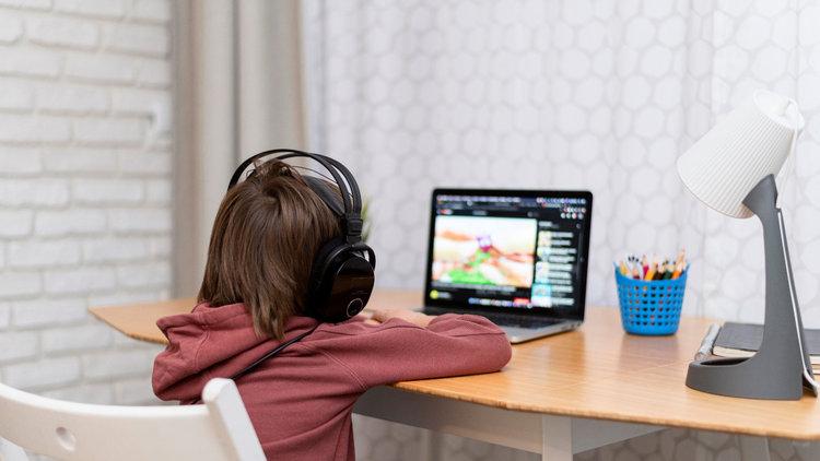 Ser padres en tiempos de virtualidad